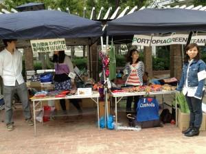 写真:手伝いをしてくれた同じカンボジア人のタイ・キムホーン